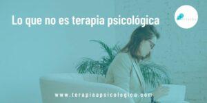 psicologa dando terapia psicologica